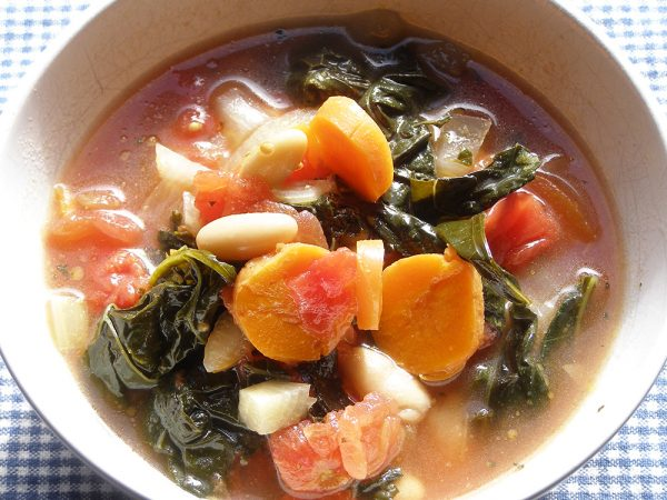 Kale soup with white beans