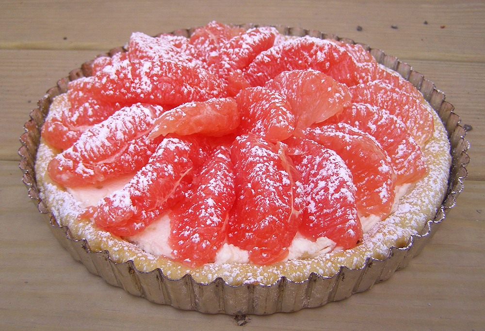 Grapefruit tart made with fresh grapefruit and homemade mascarpone