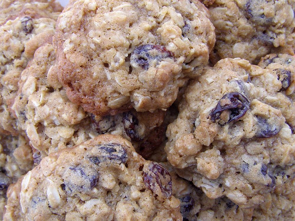 Oatmeal Raisin cookies recipe with chopped walnuts