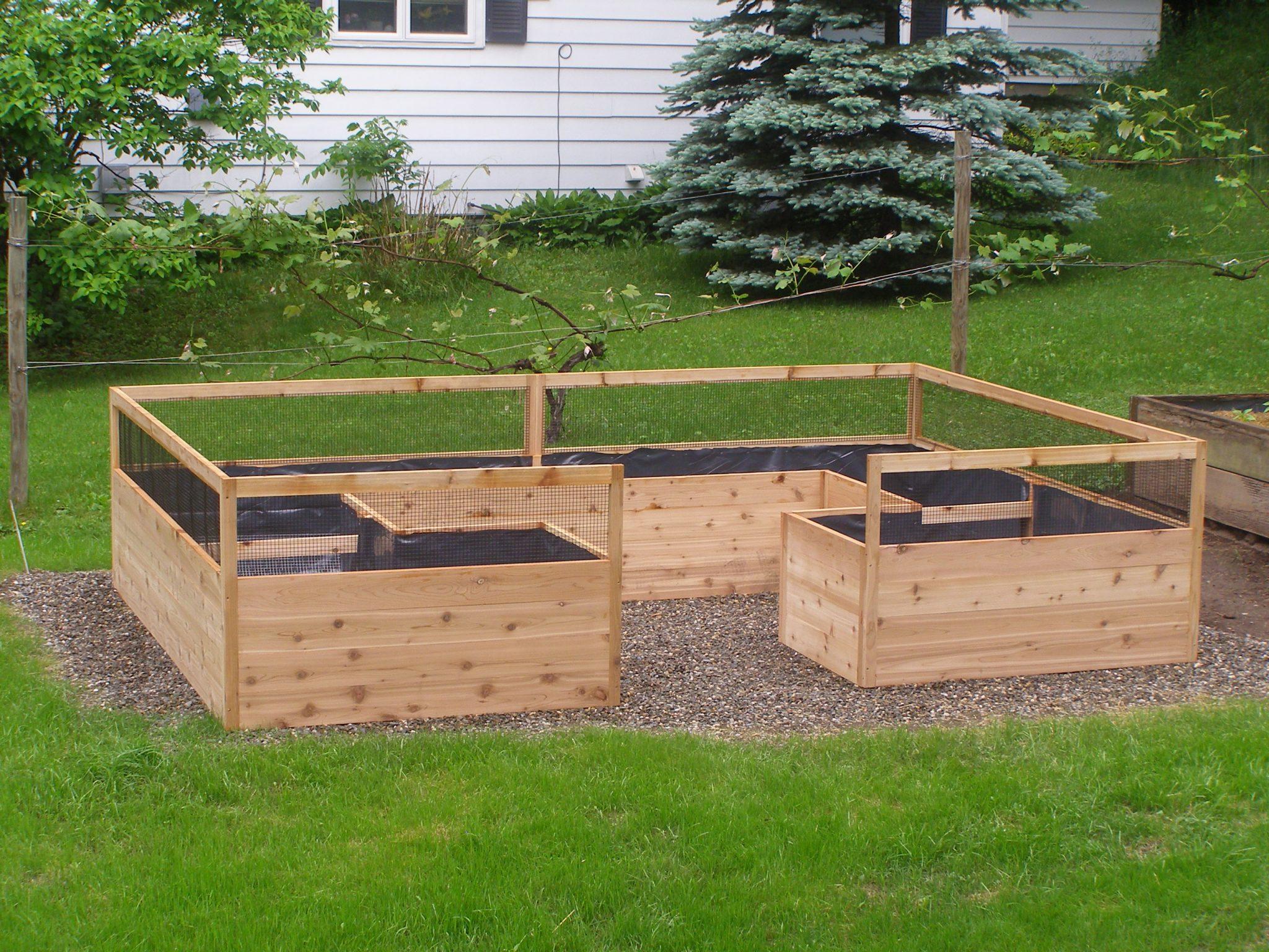 Bottom of 8'x12′ Vegetable Garden Kit complete